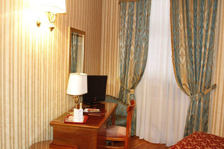 Single room gallia hotel rome