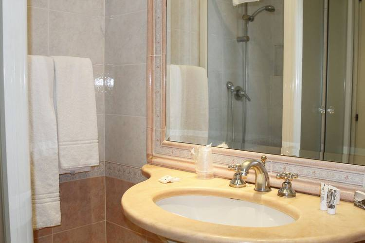 Single room eliseo hotel rome