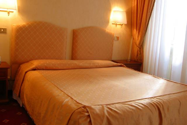 Standard double room for single use siviglia hotel rome