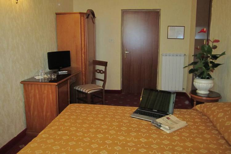 Single room siviglia hotel rome